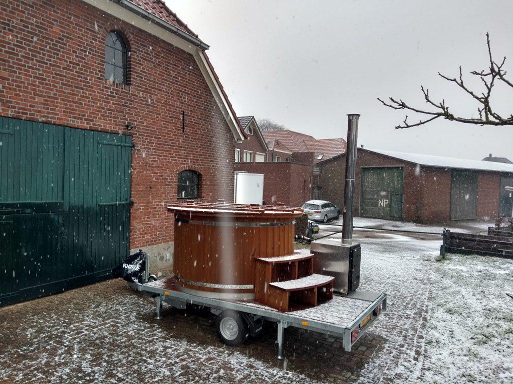 Hottub in de sneeuw